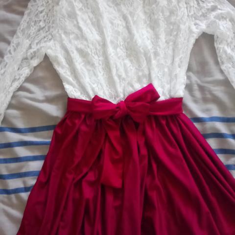 troc de  robe neuve blanche rouge T38, sur mytroc