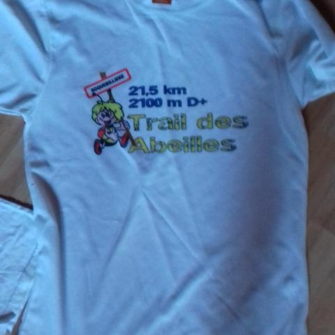troc de  Tee-shirt de sport Trail des Abeilles taille homme S, sur mytroc