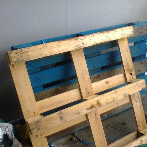 troc de  2 palettes en bois, sur mytroc