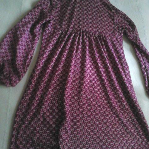 troc de  robe tape a l'oeil 7 ans, sur mytroc