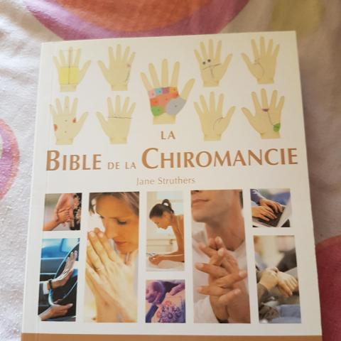 troc de  LA BIBLE DE LA CHIROMANCIE, sur mytroc