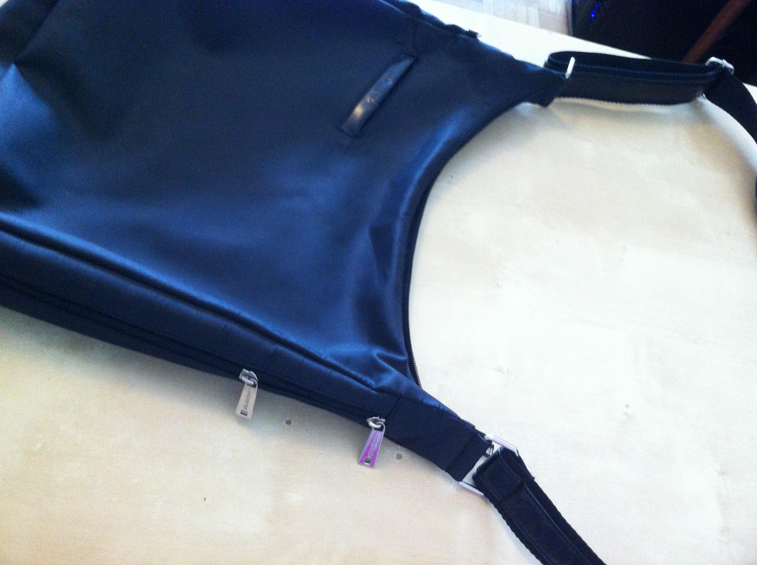 troc de troc sac noir bandouilère lancaster image 1