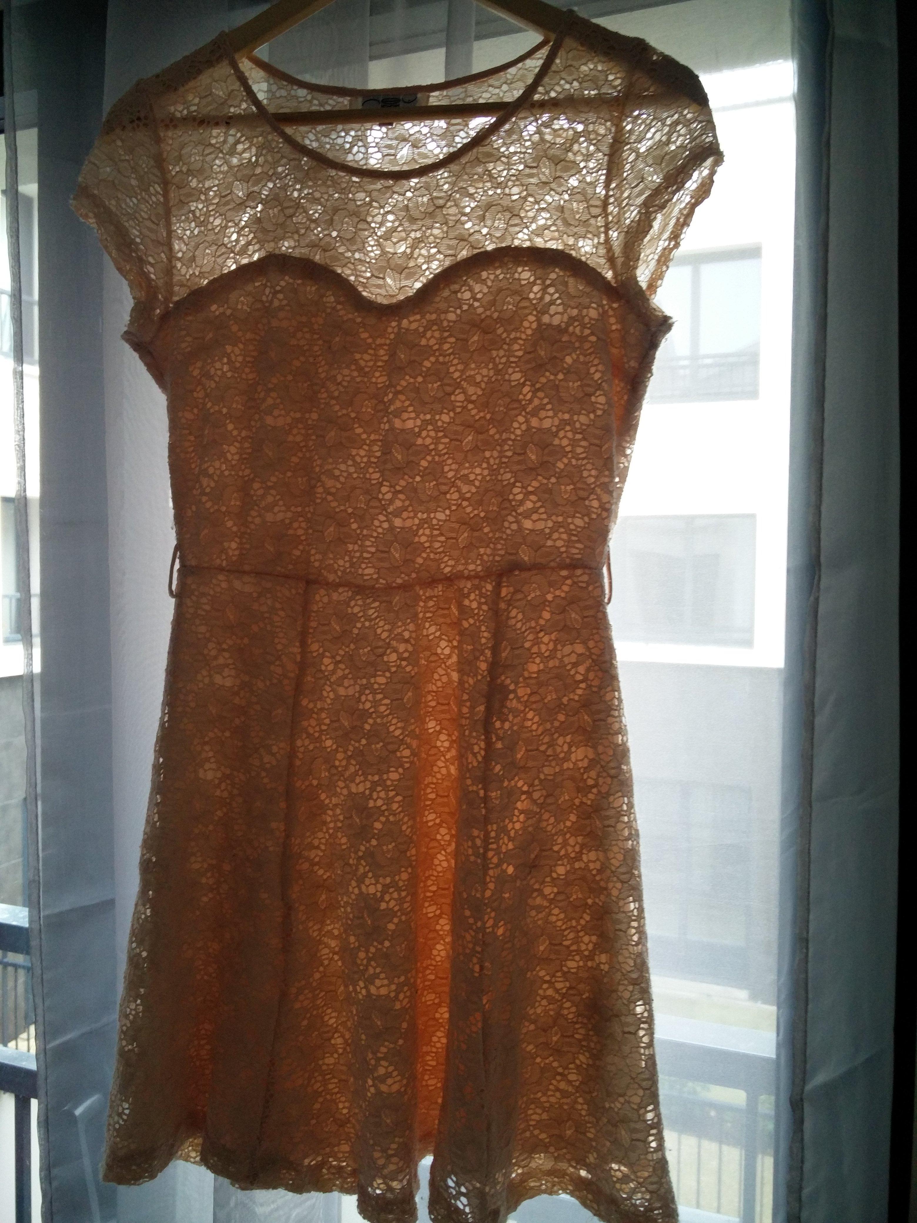 troc de troc robe dentelle rose beige newlook image 1