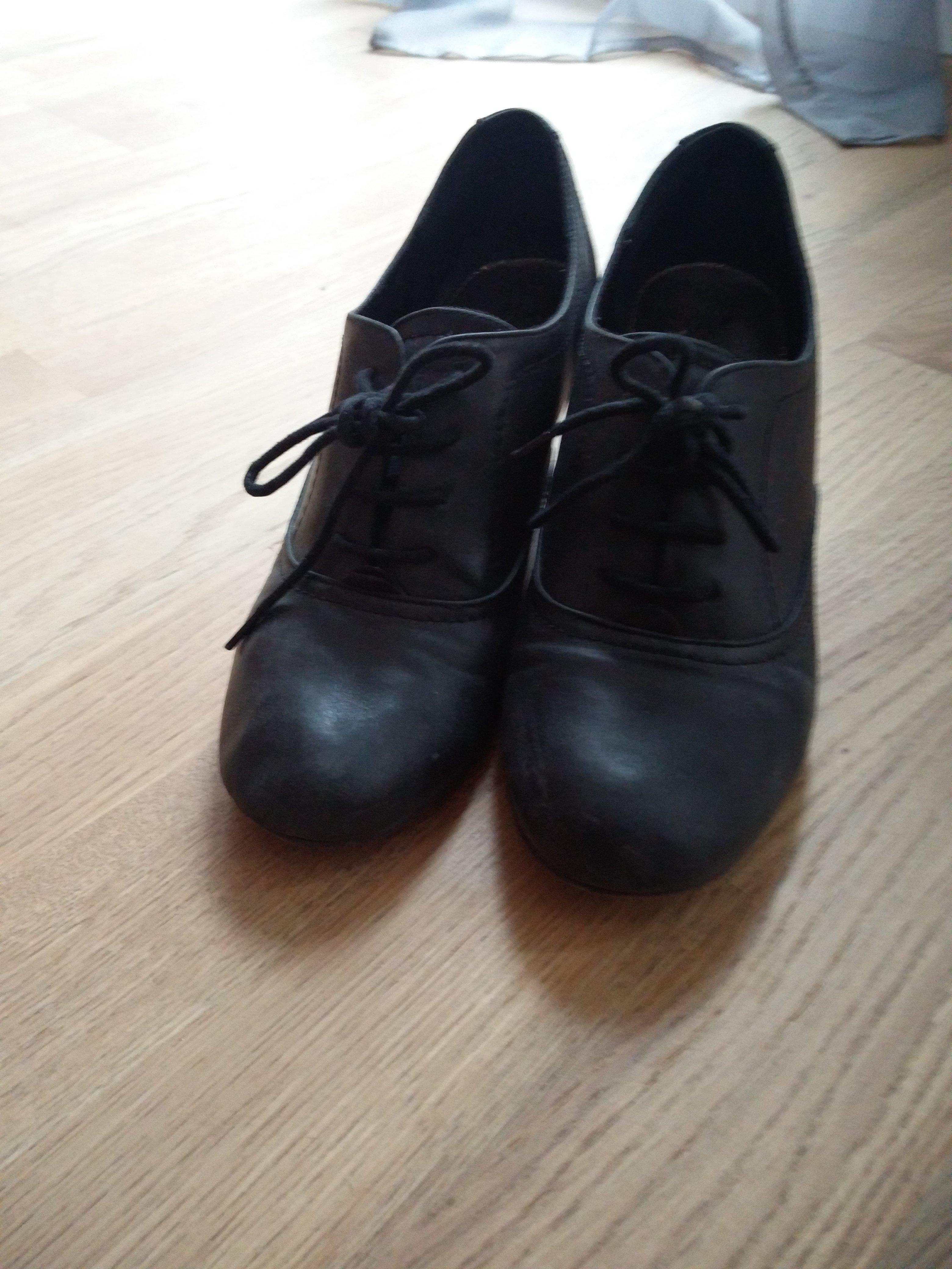 troc de troc chaussure derbies à talon noires image 2