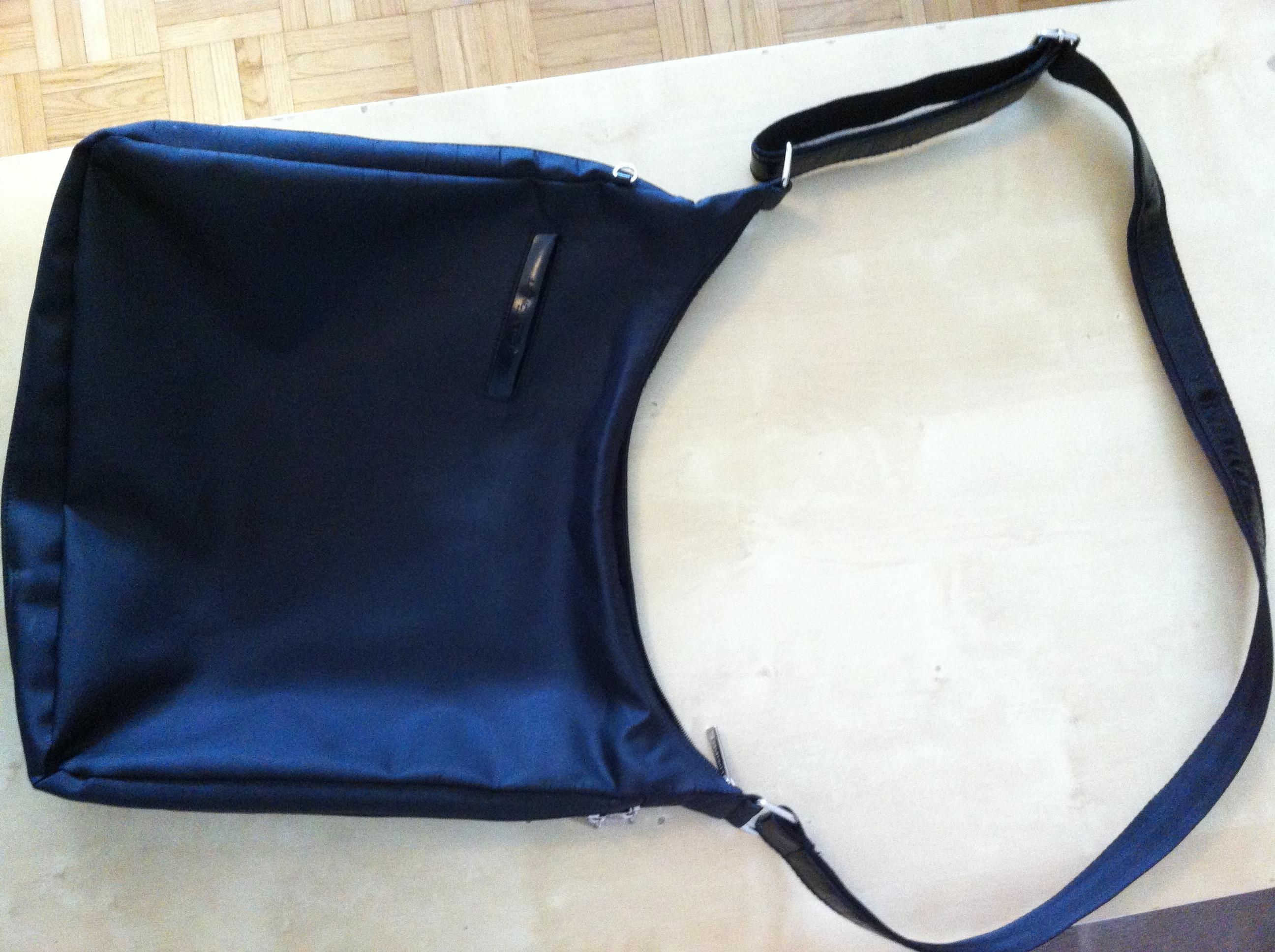 troc de troc sac noir bandouilère lancaster image 0