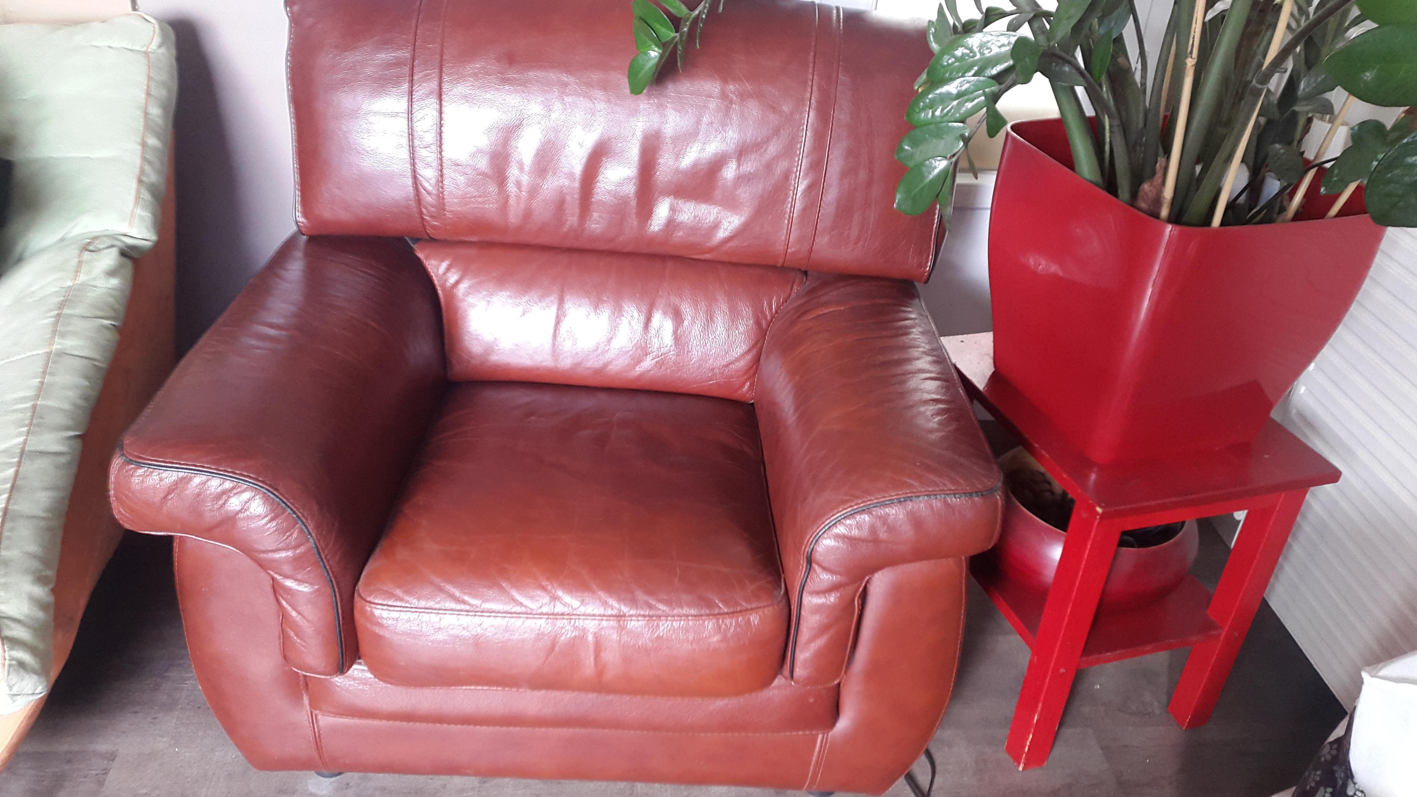 troc de troc canapé cuir 3 place + fauteuil assorti image 0