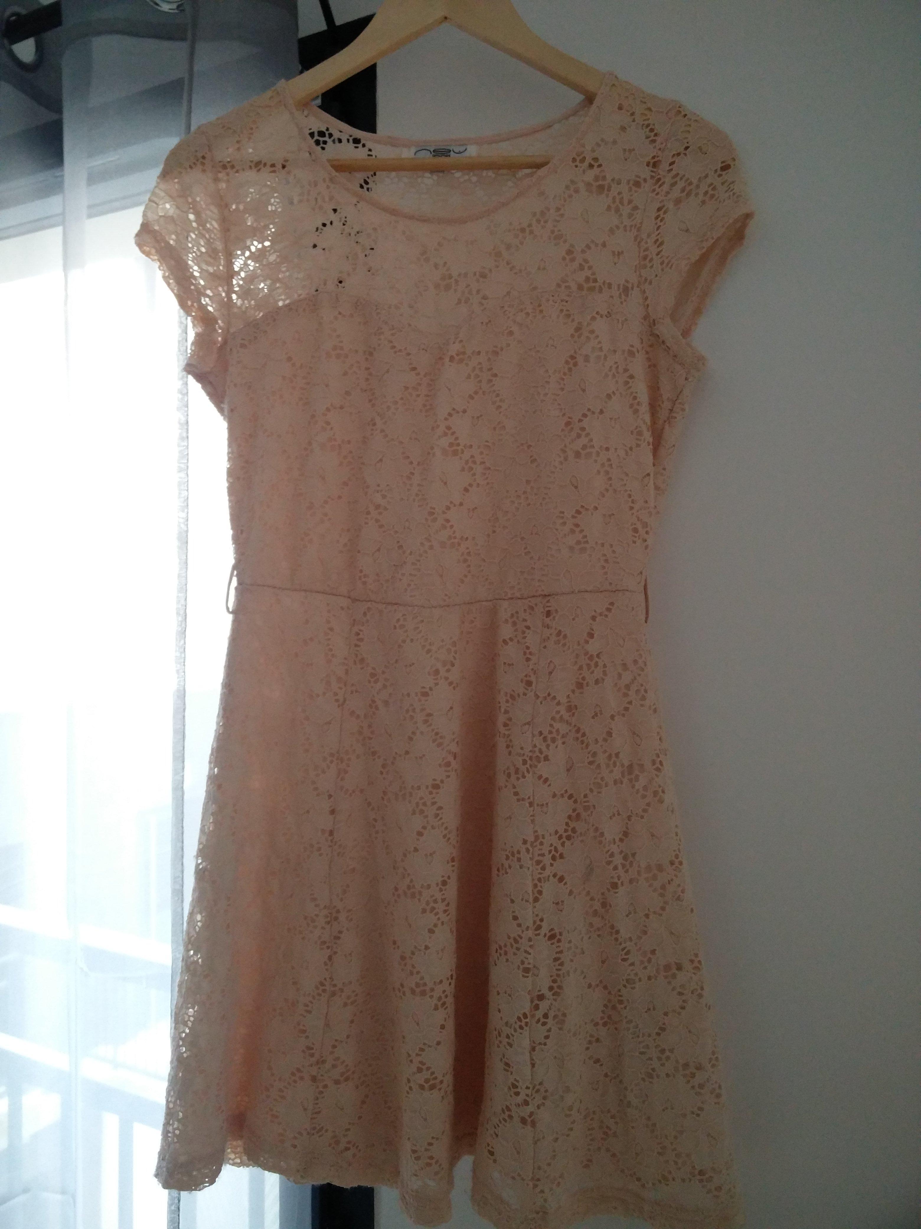 troc de troc robe dentelle rose beige newlook image 0