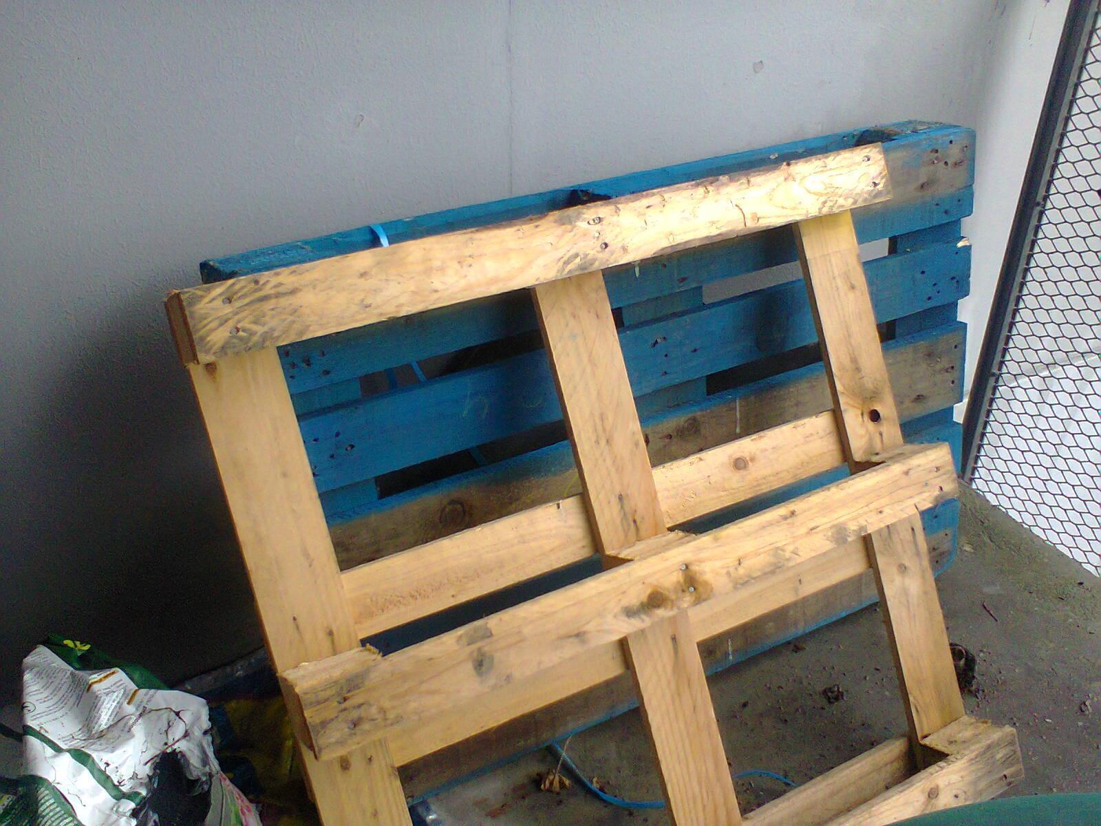troc de troc 2 palettes en bois image 0