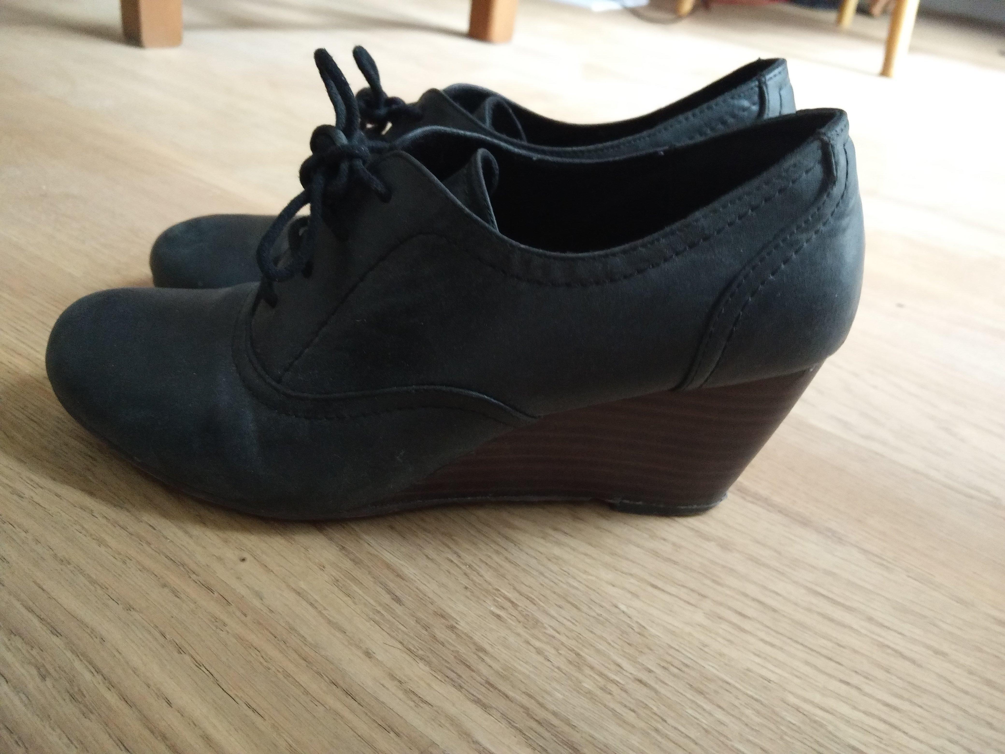troc de troc chaussure derbies à talon noires image 1